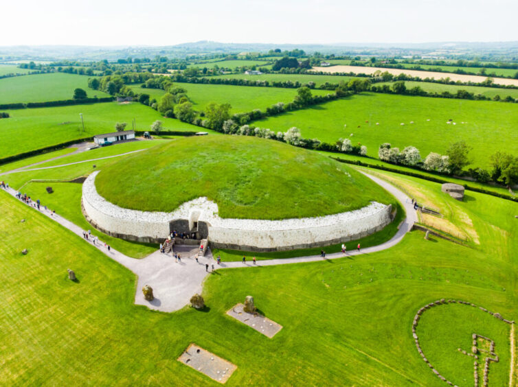 Newgrange monument Irland. Built in the Neolithic period.